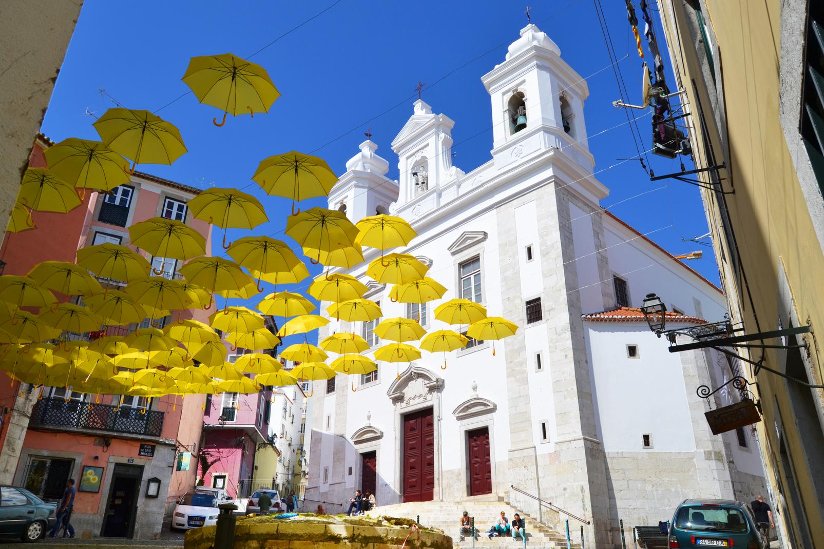 Umbrella Sky Project - Alfama'14