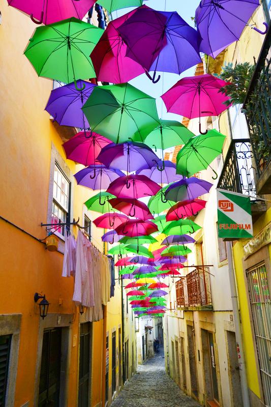 Umbrella Sky Project - Alfama'141