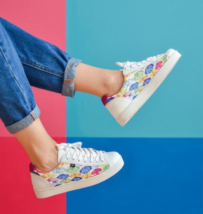 "Sneakers ""Walk with Art"""