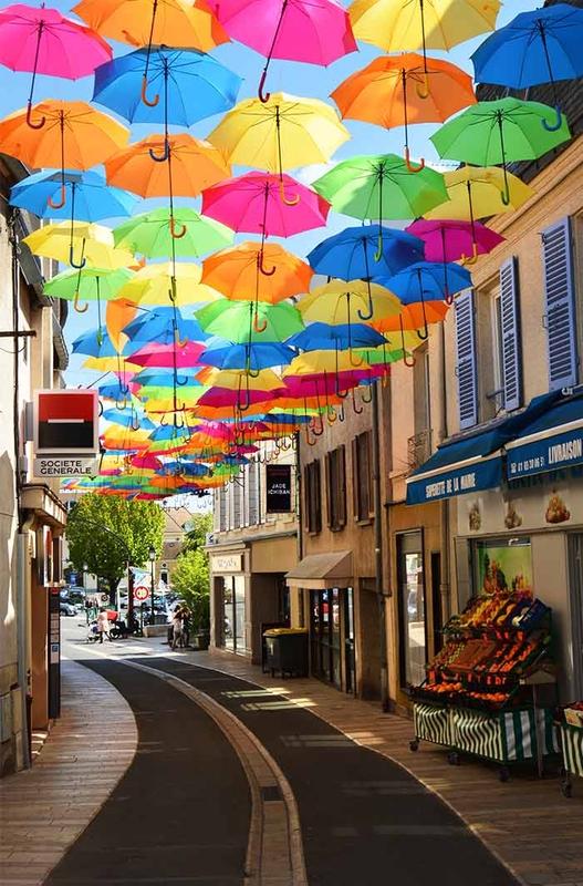 Umbrella Sky Project - Verrieres-les-Buissons'170