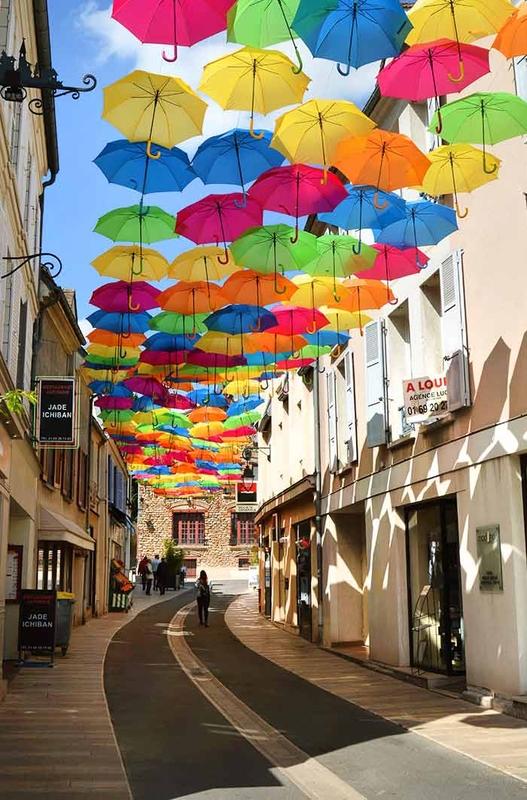 Umbrella Sky Project - Verrieres-les-Buissons'171