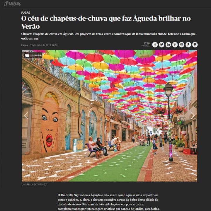 Le ciel de parapluies qui fait briller Agueda en été!