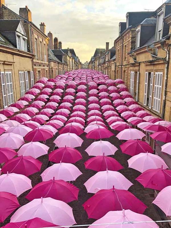 Pink Umbrella Sky Project - Charleville-Mézières'191