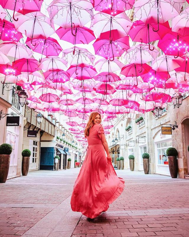 Pink Umbrella Sky Project - Paris'200